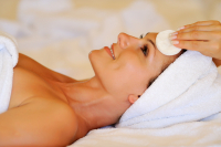 Deluxe Facial with complimentary Cream only £20 for Christmas