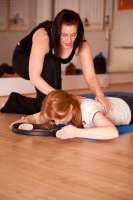 1 hour Refresher Pilates 1:1 session & 2 group classes for £60 – save £20.50