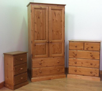 BROADWAY RANGE 3 PIECE SOLID PINE BEDROOM SET - £649