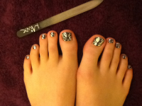 FREE Soft Soles Mini Pedicure with MINX Toes - £25