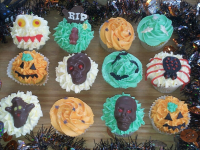 12 Gorgeous Hand Crafted Halloween Cupcakes! Now ONLY £15!