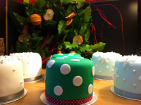 Win A Hand Made and Fully Decorated Christmas Cake!