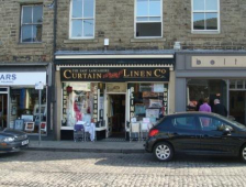 Retail outlet available to rent in Rawtenstall