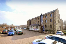 Office Let at Hurstwood's Station Court Building