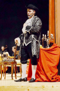 Don Pasquale presented by Villa in Canto