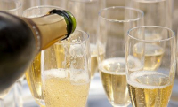 Prosecco or Champagne Offer - £10 Off