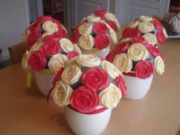 Sparkling Roses Cupcake Bouquet Now ONLY £25 Delivered