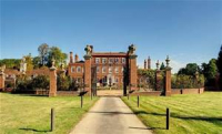 BED AND BREAKFAST AT CHAMPNEYS HENLOW FROM ONLY £79!