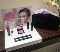 FREE Mii Makeup Bag