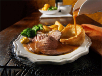 Free 2nds on all vegetables, roasties and Yorkshire Puds with Sunday Lunch!