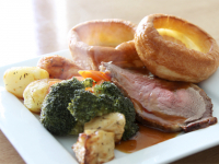 2-for-1 on Sunday Roasts in November!