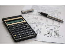 How does an accountant help a start up business?