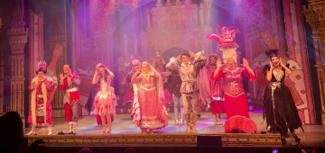 Lichfield Garrick wins hands down at Panto this year