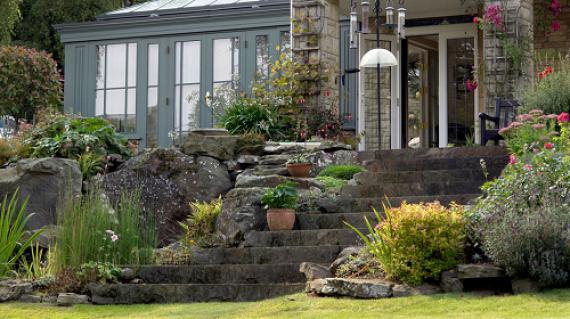 Redesign your garden with landart garden design for Redesign your garden