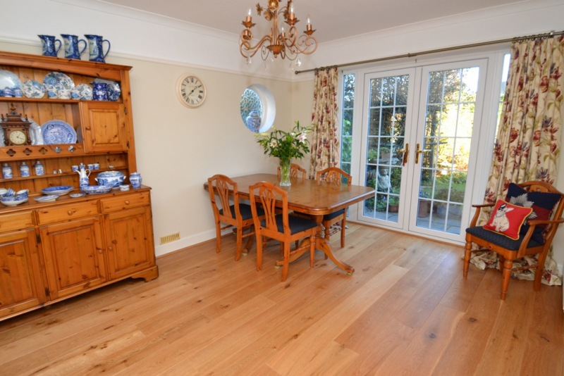 Beauty Room To Rent In Epsom