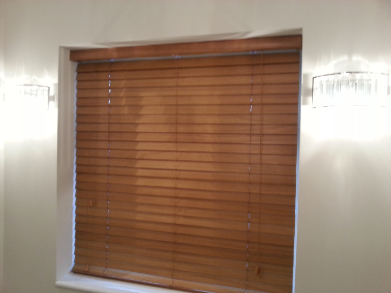 best blinds to keep heat out better homes the best blinds to heat your home as the weather grows colder you begin notice draughts and chills inside your home more more can window keep warm
