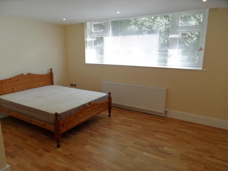 Rental Of The Week 3 Bed 2 Bath Ground Floor Flat Avenue Road Epsom Personalagentuk