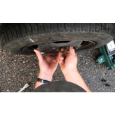 How do you change a tyre?