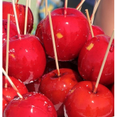 Make your own toffee apple treats in Bromley this Halloween!