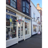 Who provides the best customer service in Henley-on-Thames?