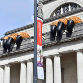 Giant claws have appeared ontop of the National Museum!