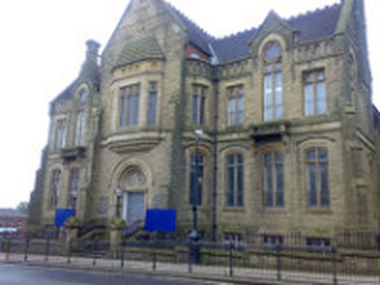 Laugh a'nory at Oldham Library
