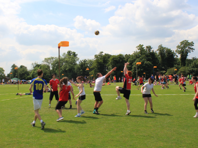 Play Korfball! Beginner-friendly. June 2017 Willen charity promotion!