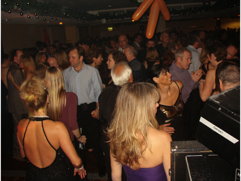 BRENTWOOD 30s to 50sPlus PARTY for Singles & Couples - Friday 1st September