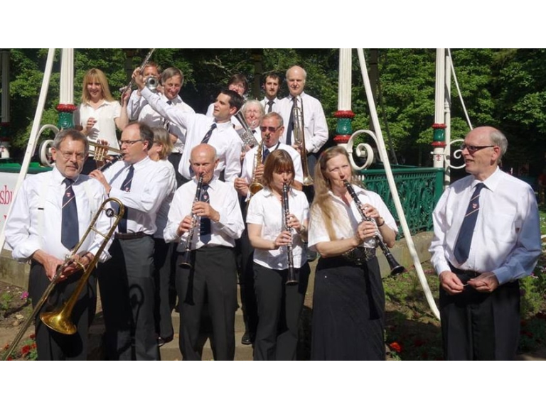 Malmesbury Concert Band play at Stratford Park