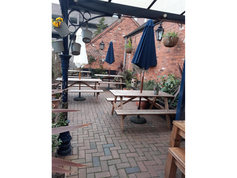 Black Country Arms now open for Outdoor Drinking and Dining