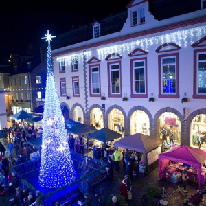 GUERNSEY LATE NIGHT CHRISTMAS SHOPPING