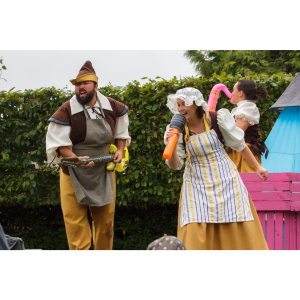 Folksy Theatre Presents 'The Princess and the Giant' at Hestercombe Gardens