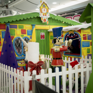 CENTRALE & WHITGIFT BRINGS THE MAGIC OF THE NORTH POLE TO CROYDON