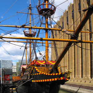 Acoustic Night on The Golden Hinde