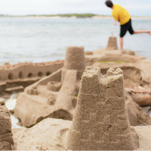 SANDCASTLE BUILDING COMPETITION IN HERM
