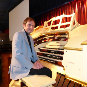 Chris Stanbury Theatre Organ Concert