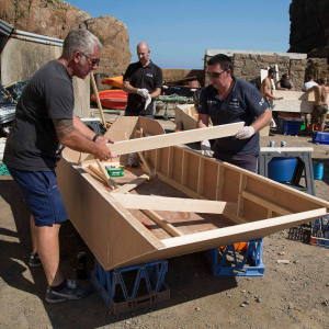 BUILD A BOAT RACE IN SARK