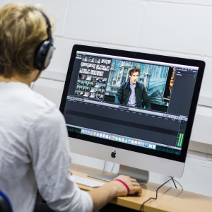ONLINE LEARNING. Learn video editing: Final Cut Pro or Adobe Premiere Pro
