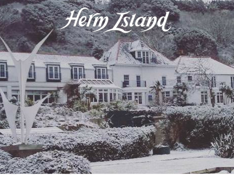 3 NIGHT CHRISTMAS HERM PACKAGE
