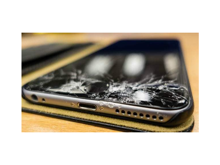 iPhone Screen Repairs From ONLY £29!