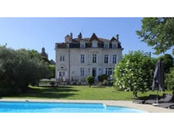 Free time in June? Fancy a break at a chateau near Bordeaux in France