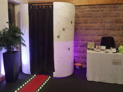 £50 OFF A PLATINUM PHOTO BOOTH PACKAGE