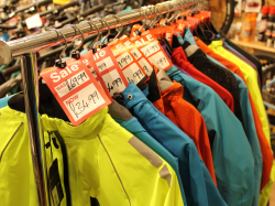 Faulous cut price clothing